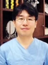 韩国AURA整形医院李锡庸