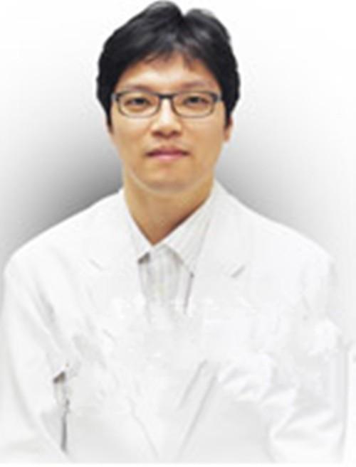 韩国朱丽叶整形医院李尚俊
