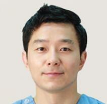 韩国snow整形外科朴尚恩