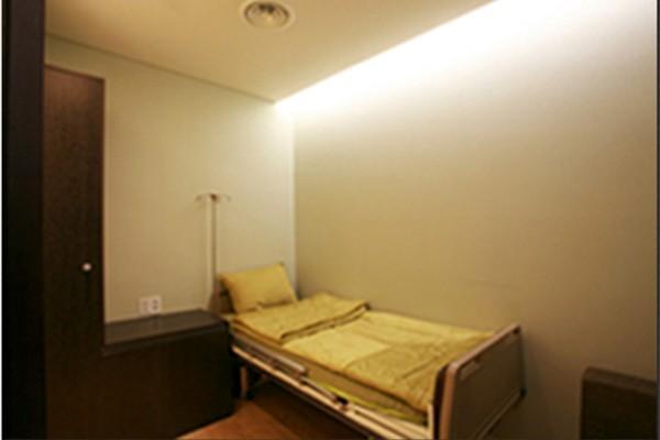 韩国H白汀桓整形外科病房环境
