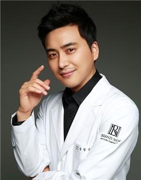 韩国Brandnew整形外科尹圣恩