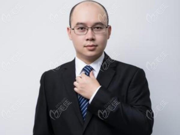 南宁恺泽恺贝口腔的种植医生韦东
