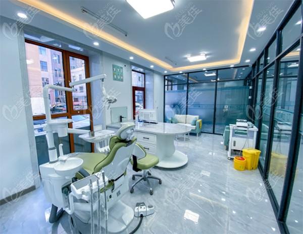 立美口腔的医生诊疗室