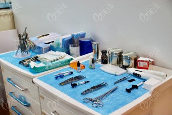 诊疗器械及耗材的摆放与分类