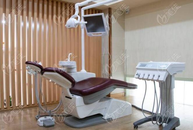 成都军大口腔诊疗室